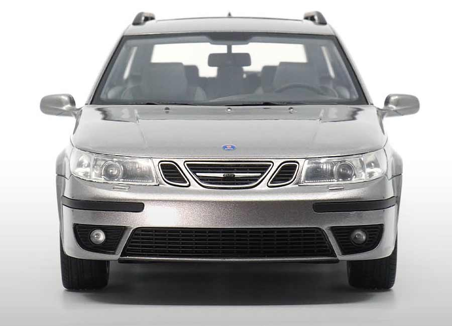 Saab 9-5 Sportcombi Aero 1 18 scale model replica by DNA Collectibles