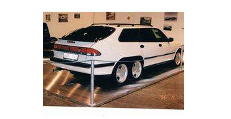 Saab 900 6-wheels