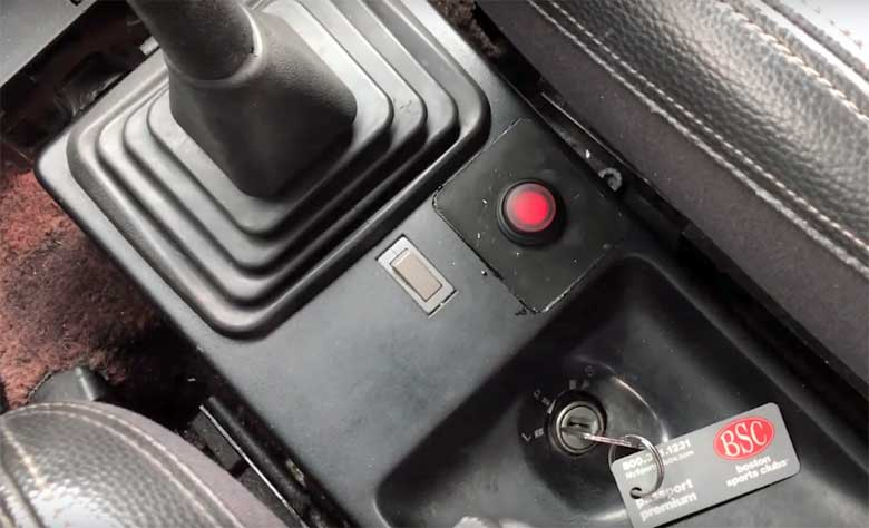 Saab 900 with Start button