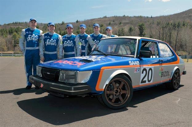 Saab 900 team