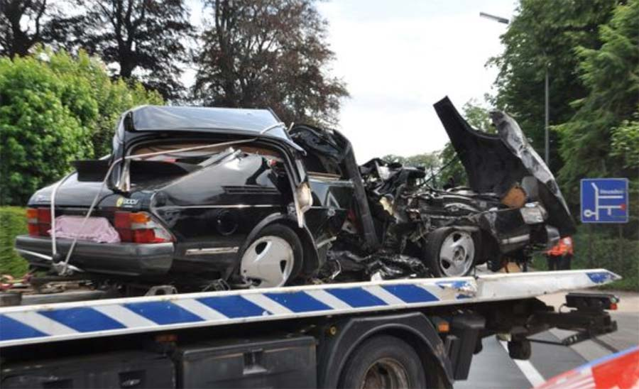saab 900 after accident