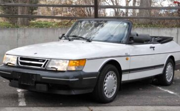 The Fast Lane Car Saab 900 convertible for Sale