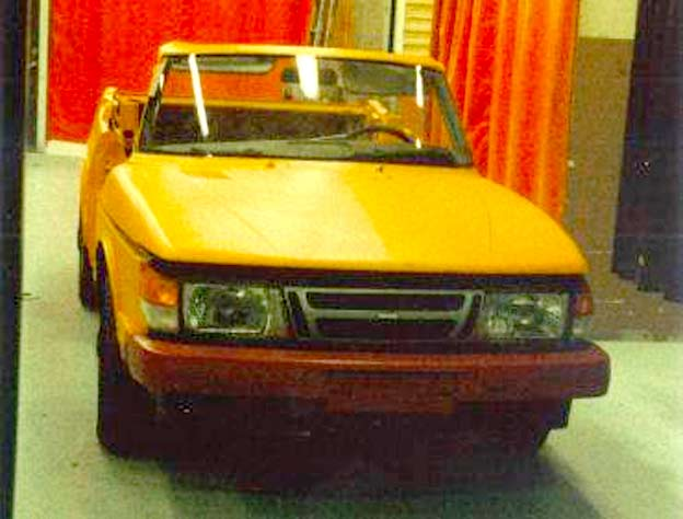 Saab 900 Cabrio crash test car
