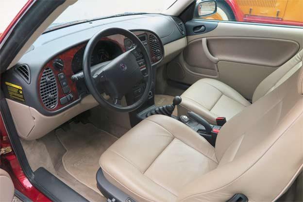 Saab 900 SE Sport Coupe Interior