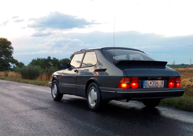 Saab 900 T8 in Music Video