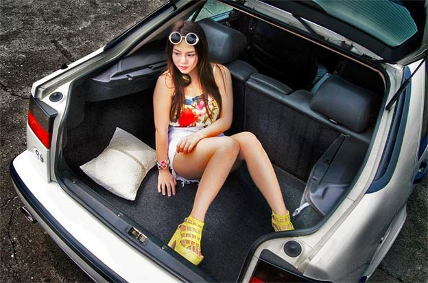 Saab 9000 and girl