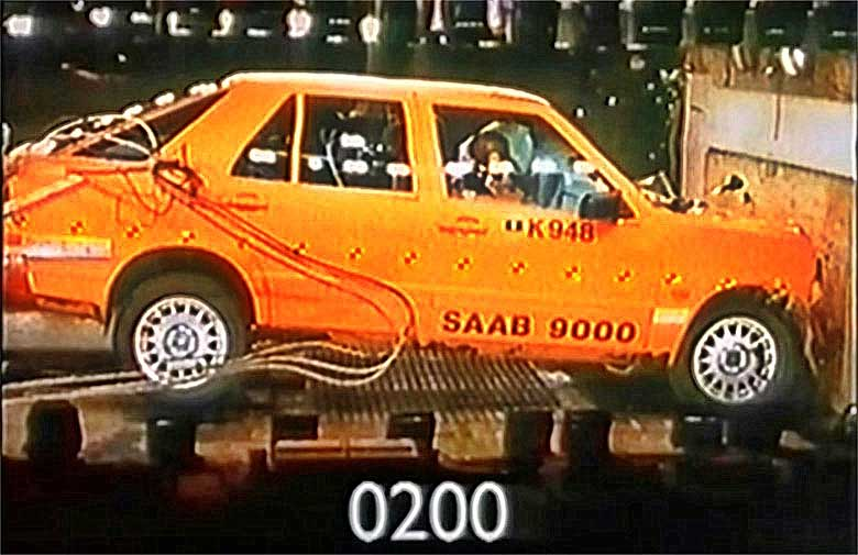 Saab 9000 crash test