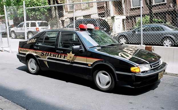 Saab 9000 police car