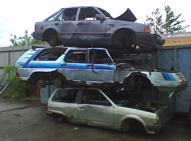 saab 906 at junkyard