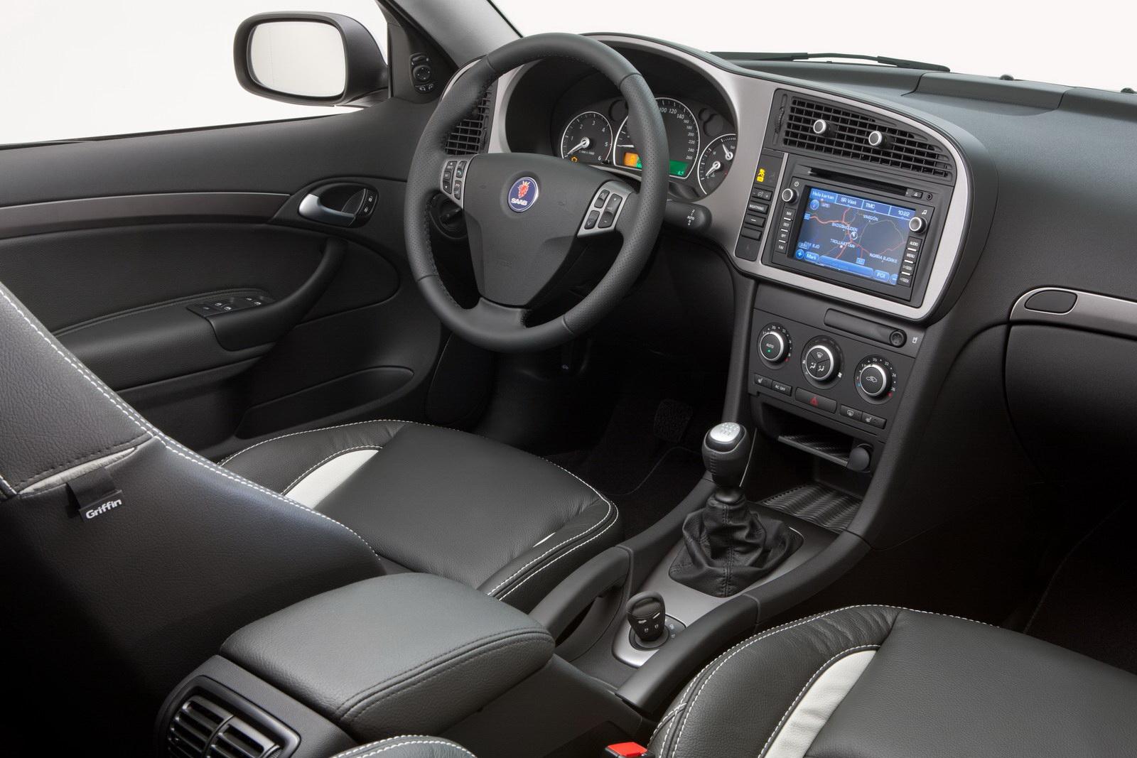 Saab Automobile and CATC signed a memorandumfot the import Saabs into China