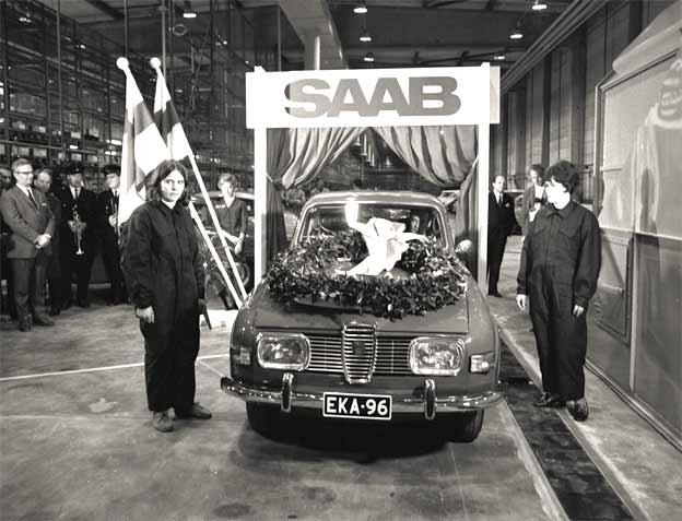 the first car - a Saab 96 - was completed at the Uusikaupunki car plant.