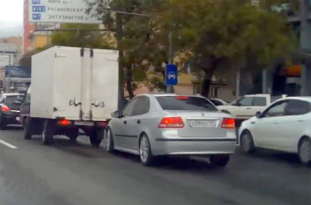 Scary Saab 9-3 accident in Russia