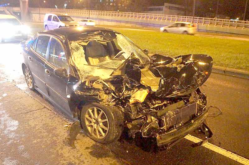 Incredible Car Crash Survival: Drunk Saab driver hits truck