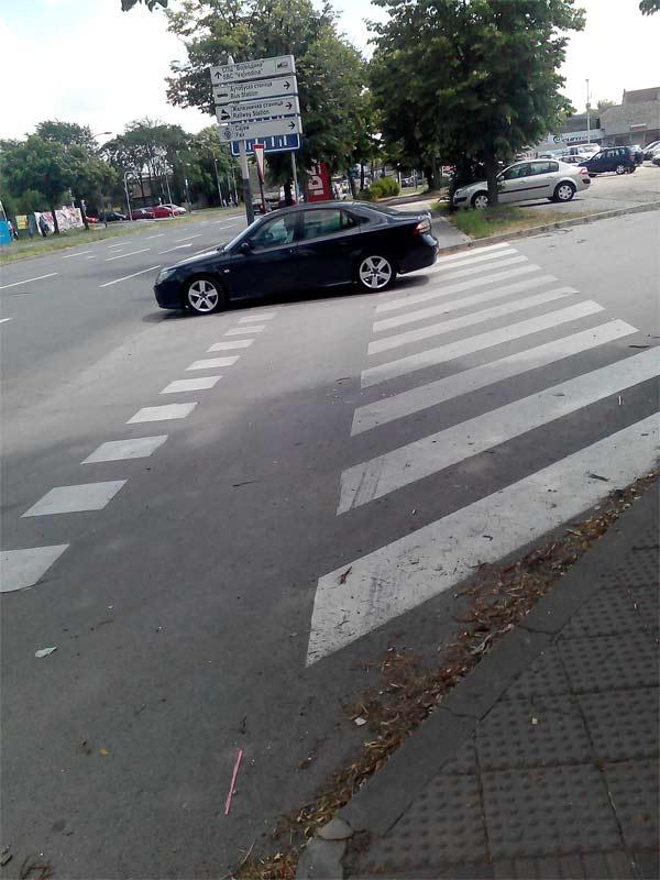 saab-cross