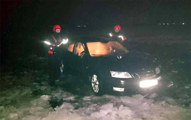 Saab driver nearly drowned after driving over frozen lake in Poland