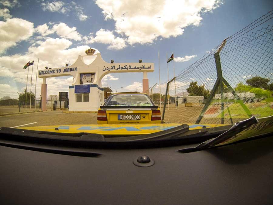 Saab team on the border with Jordan
