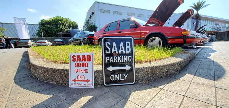 Saab 9000 parking only