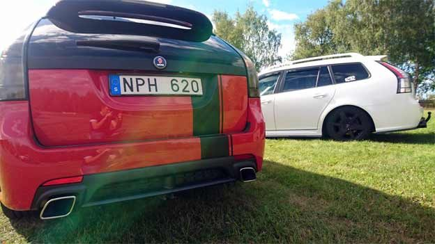 Two-Saab 9-3 Sportcombis