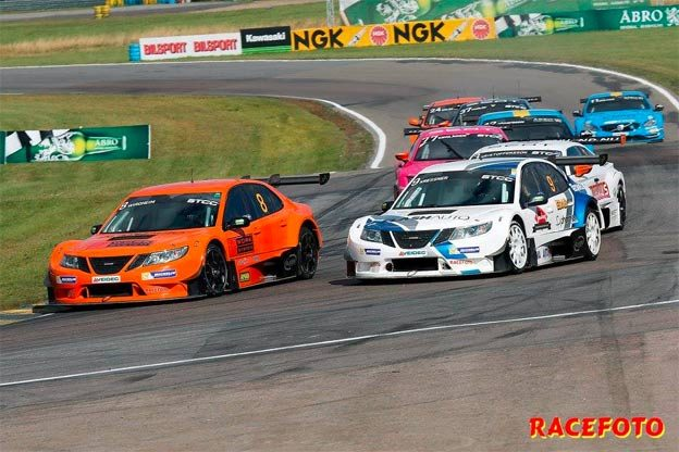 Saabs in STCC race