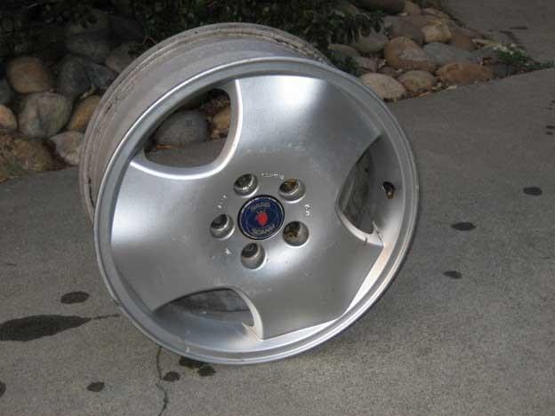 Classic Saab Tri-spoke wheels