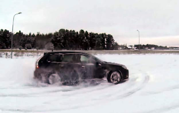 Saab Turbo X SportCombi Snow Drift [videos]
