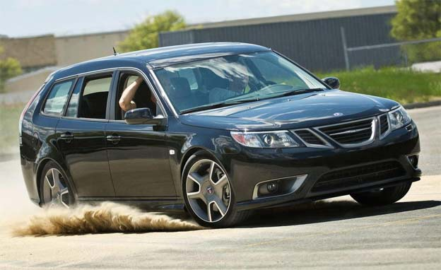 Saab 9-3 Turbo X Sportcombi in the Dust