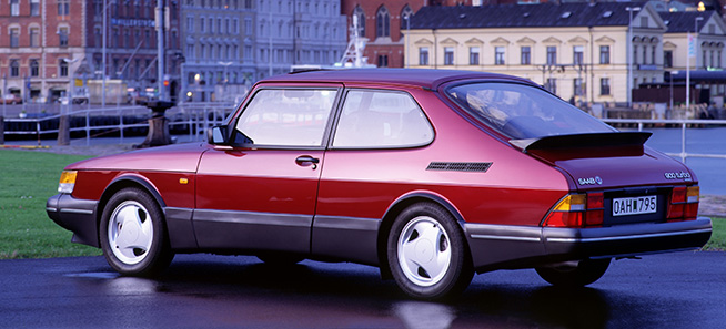 Classic Aero Ads: Saab 900