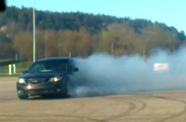 SAAB 9-3 XWD Drifting