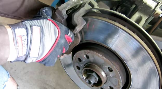 DIY: replace the front rotors and brake pads on SAAB 9-3 (9-5 93 95)