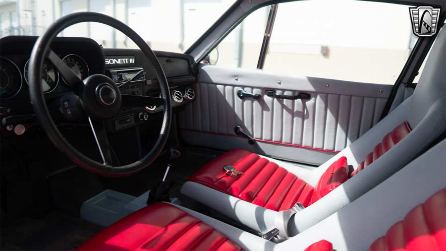 The interior of the Sonett III has been completely renovated, down to the smallest detail.