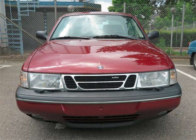 Saab 900 SE Sport Coupe Front