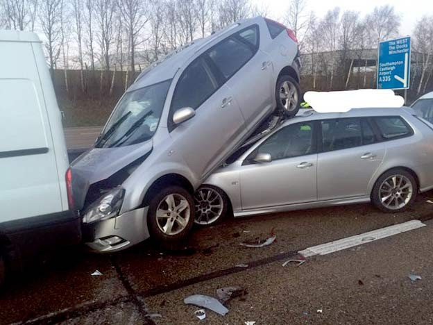Traffic accident Saab 9-3