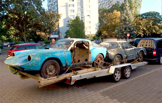 Two Saab Sonnets on the Trailer