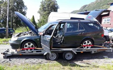used saab on trailer