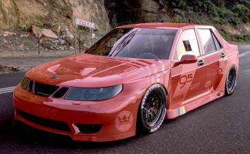 Wide-body Saab 9-5 for new records